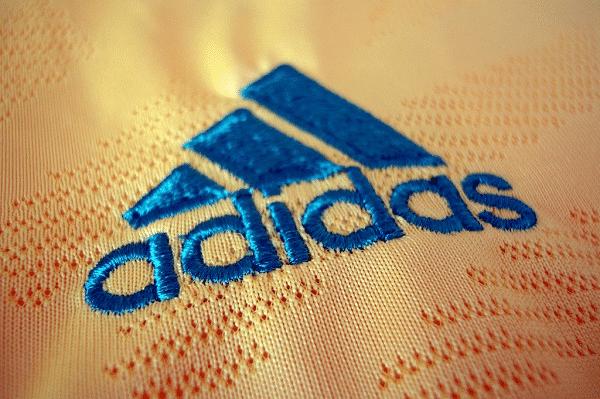 nhận thêu logo số lượng ít